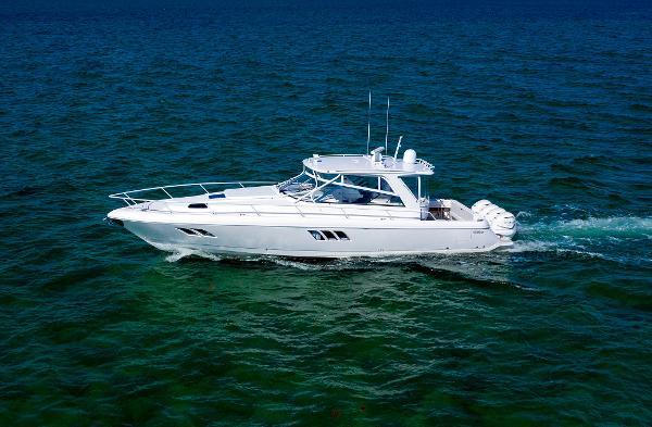 Intrepid 475 Sportyacht