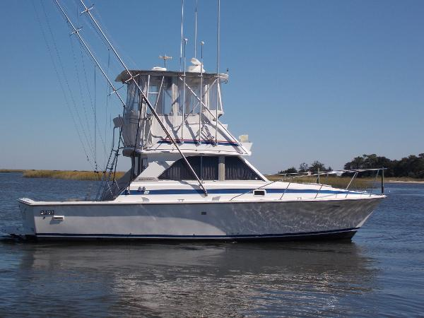 Bertram 35 Convertible '83 Bertram 35 Conv, Stbd Beam