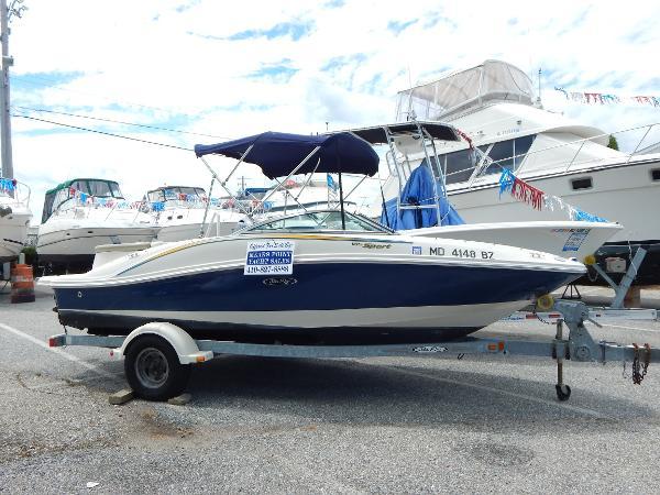 Sea Ray 185 Bow Rider Main Shot