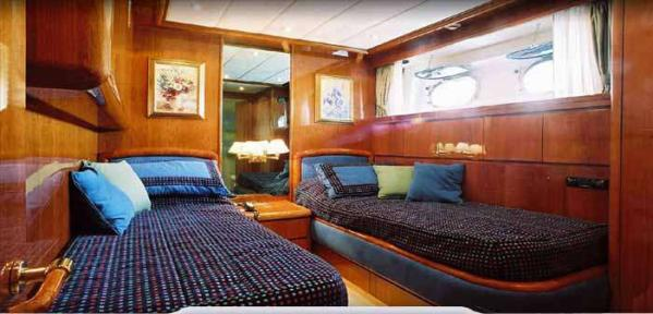 Port Twin Cabin