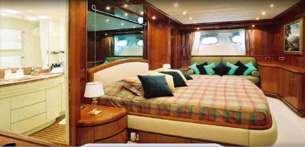 Full width owners cabin