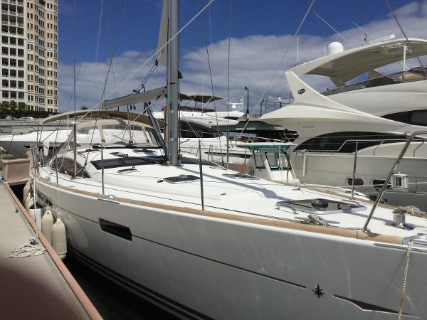 Jeanneau 53  360 Dock n Go Starboard bow