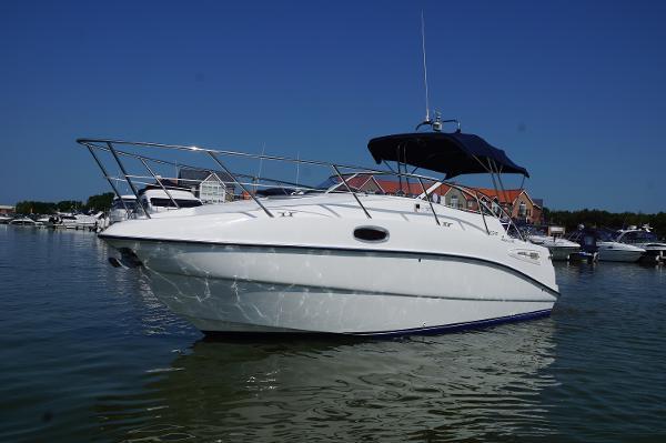 Sealine S23 Sports Cruiser Sealine S23