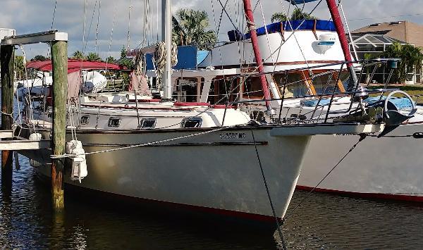 Island Packet 38 Black Pearl