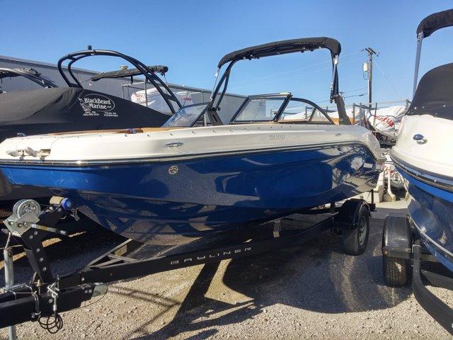 Bayliner Deck Boat