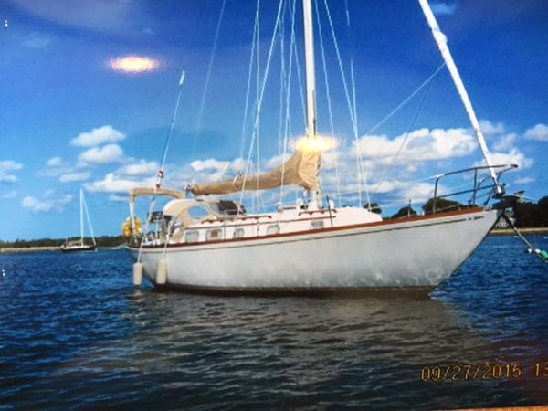 Bristol 40 At anchor