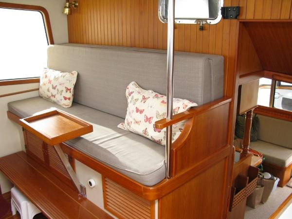 Pilothouse Settee (converts to berth)