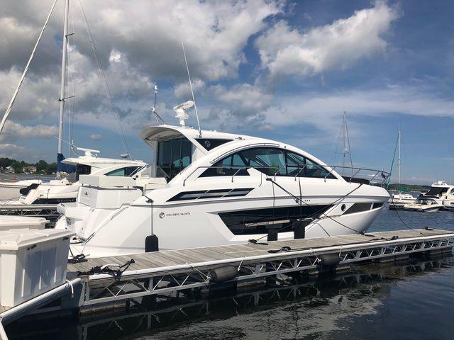 Cruisers Yachts 50CANTIUS