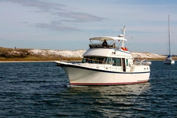 Hatteras 42 Long Range Cruiser (LRC) Profile_Port Bow
