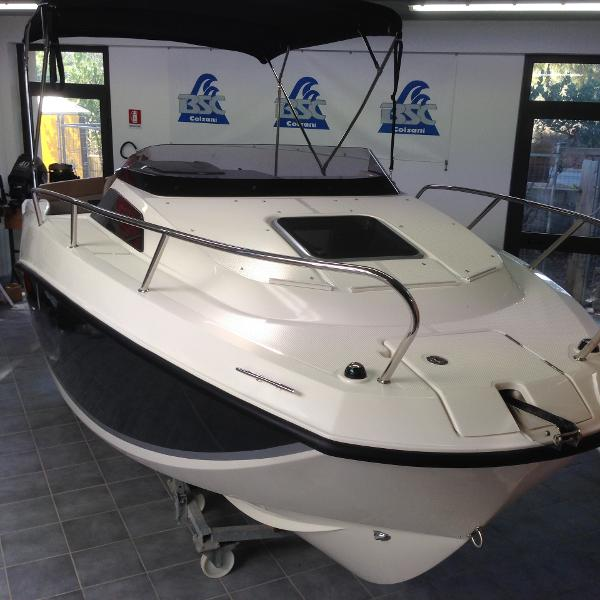 Quicksilver 555 Cabin