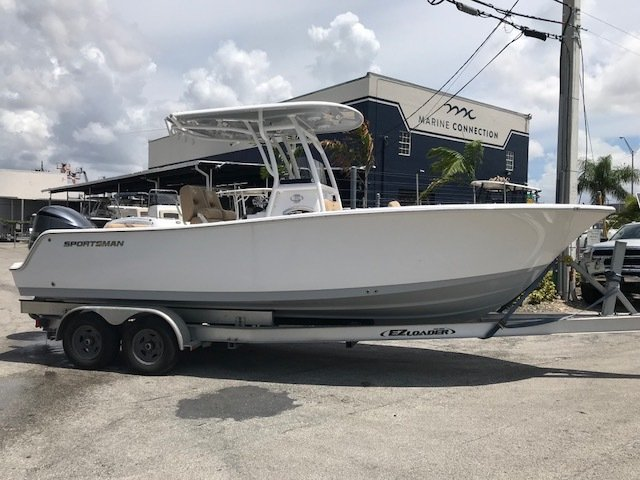 Sportsman Open 242 Center Console
