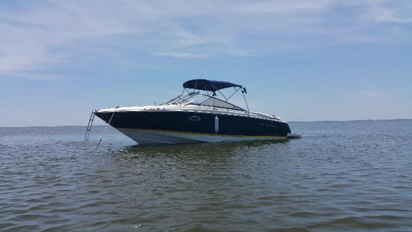 Regal 2700 Bowrider On The Water