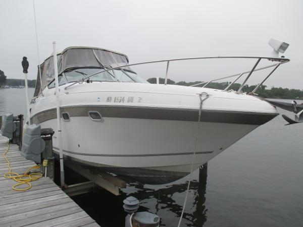 Four Winns 268 Vista Starboard Bow