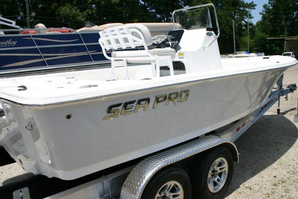 Sea Pro 208 Bay Deluxe