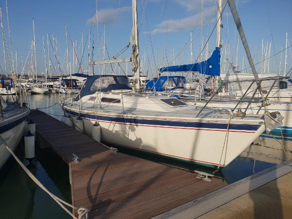 Westerly Storm 33 Starboard Side