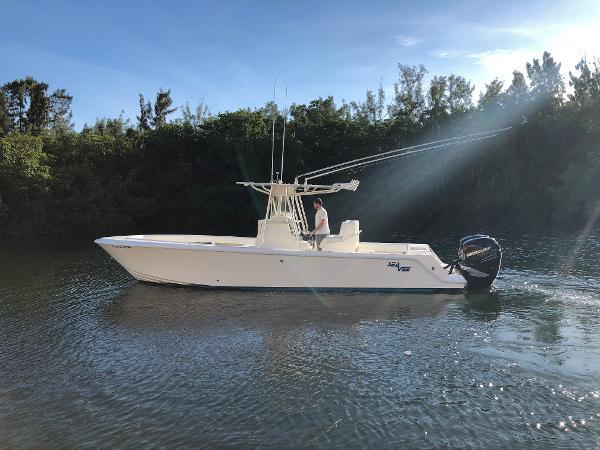 SeaVee 32
