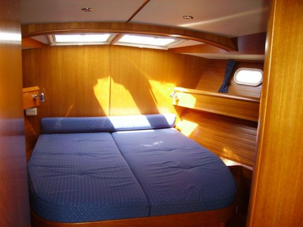 Master Cabin forward