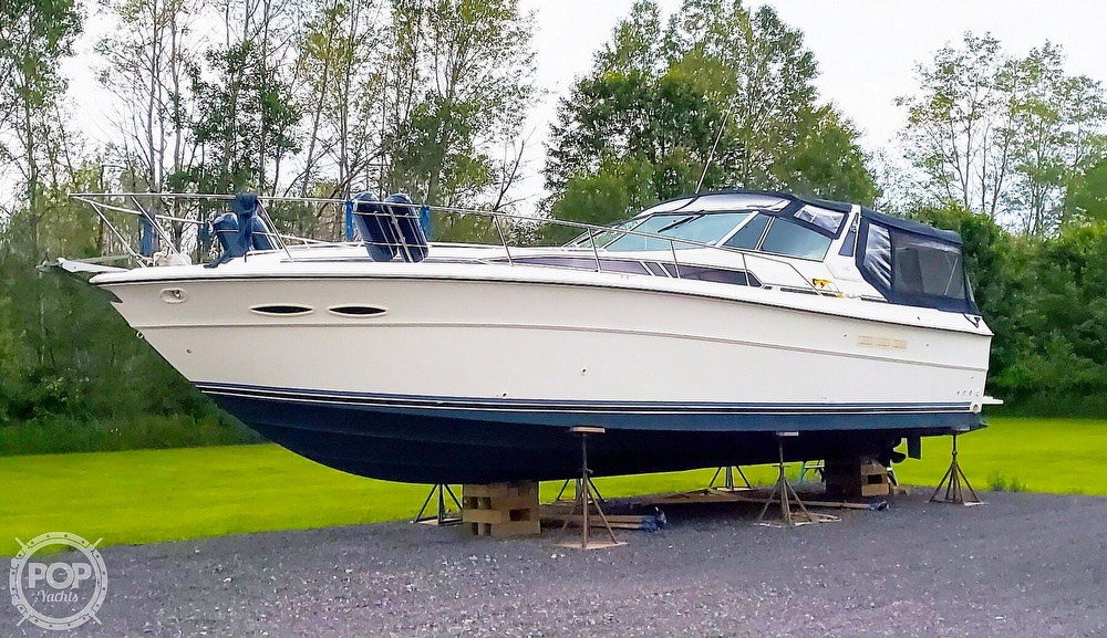 Sea Ray 390 Express Cruiser 1989 Sea Ray 390 Express Cruiser for sale in Central Square, NY