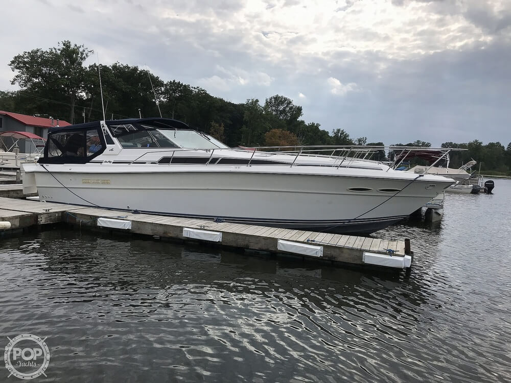 Sea Ray 390 Express Cruiser 1989 Sea Ray 390 Express Cruiser for sale in Pulaski, NY