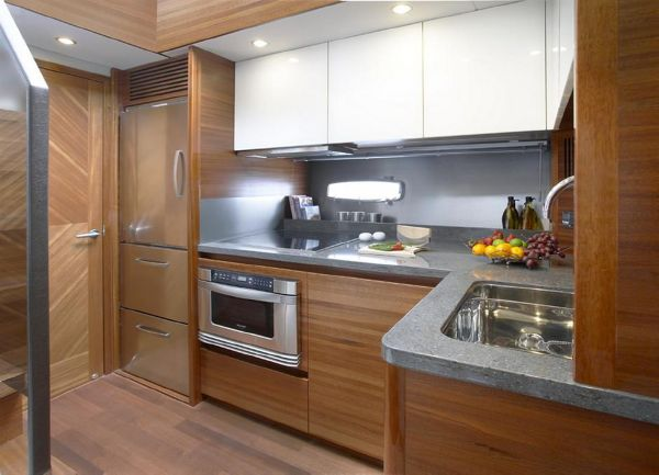 Sealine F490 Galley