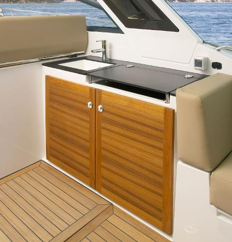 Sealine S380 Wet Bar