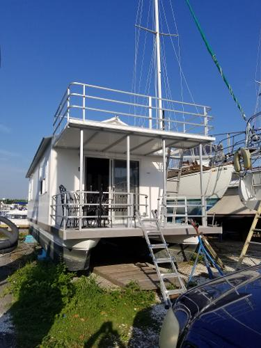 Aqua Chalet Catamaran Cruisers