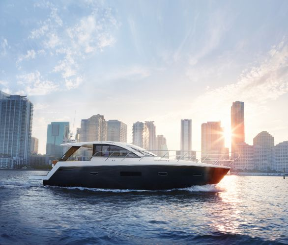 Sealine S450 Still Shot