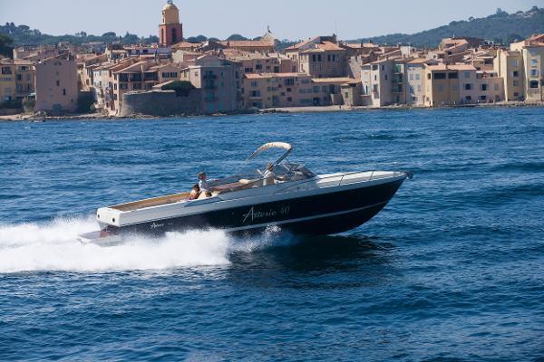 Asterie 40' Sun Beach Asterie 40' version day cruiser-photo non contractuelle