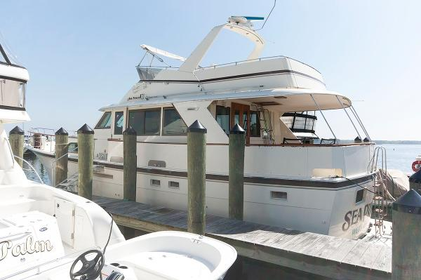 Hatteras 53 Motoryacht Port Side