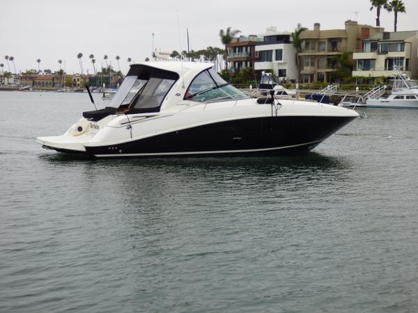 Sea Ray Sundancer Starboard view