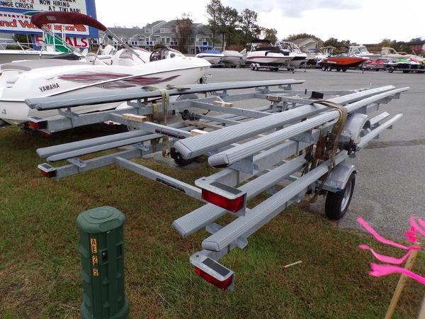 Yacht Club Pontoon Trailer – Single Axle