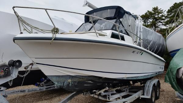 Angler Boats 240 WA