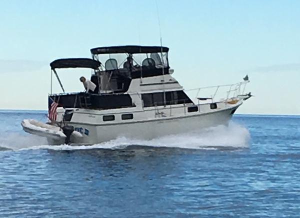 Carver 36 Aft Cabin Motor Yacht