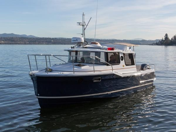 Ranger Tugs R-23 Outboard