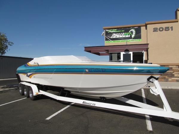 Hallett Boats 270