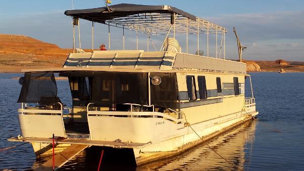 Boatel Houseboats VIP Houseboat