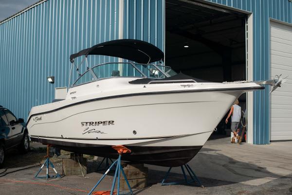 Seaswirl Striper 2101 Dual Console OB