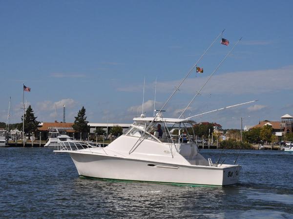 Ocean Yachts 40 Sportfish Profile