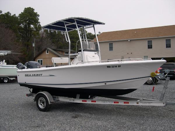 Sea Hunt 177 Triton