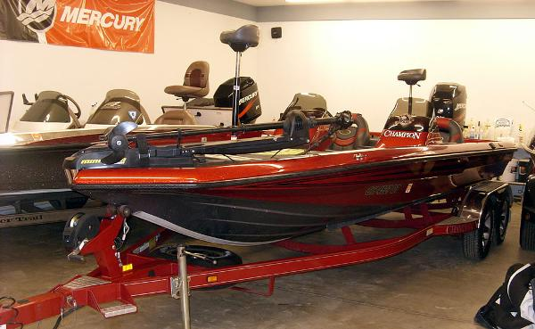 CHAMPION BOATS 206 DC Elite