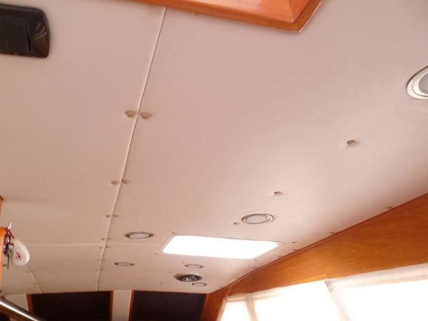 Main Cabin Overhead Stbd