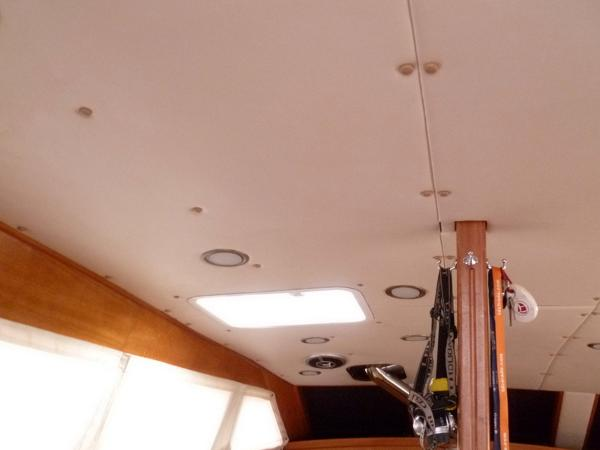 Main cabin Overhead Port