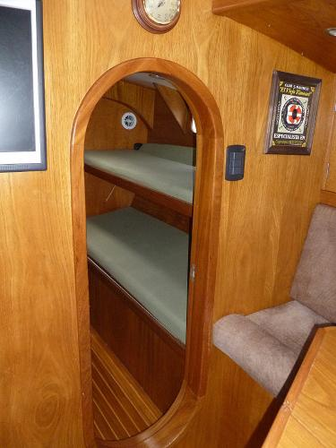 Stbd Guest Cabin fwd of Settee