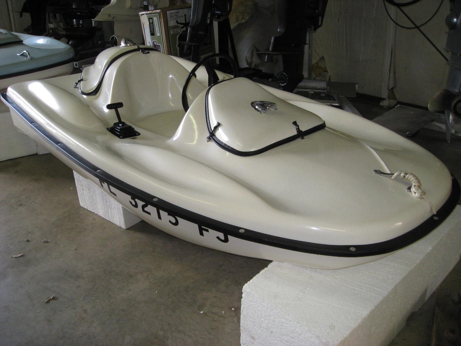Manta Ray Dolphin II