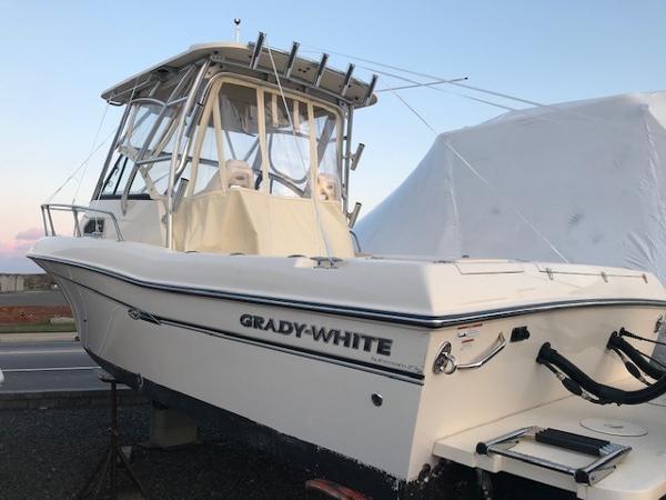Grady-White 232 Gulfstream