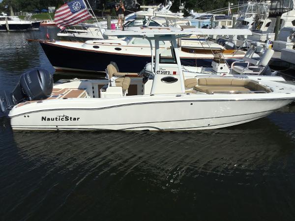 NauticStar 251 HYBRID