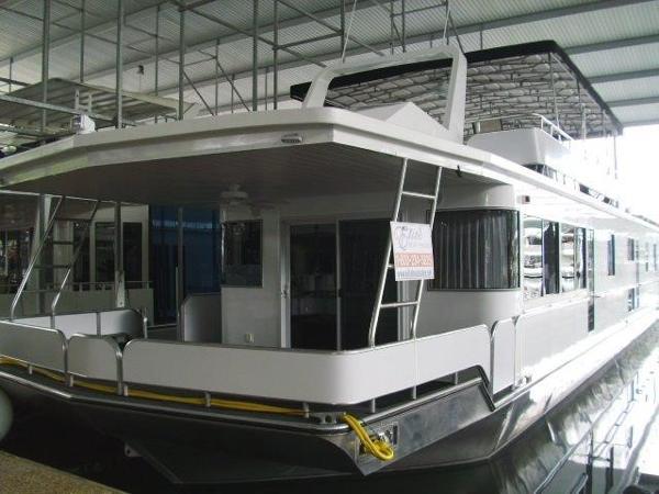 Fantasy 17 x 82 Houseboat