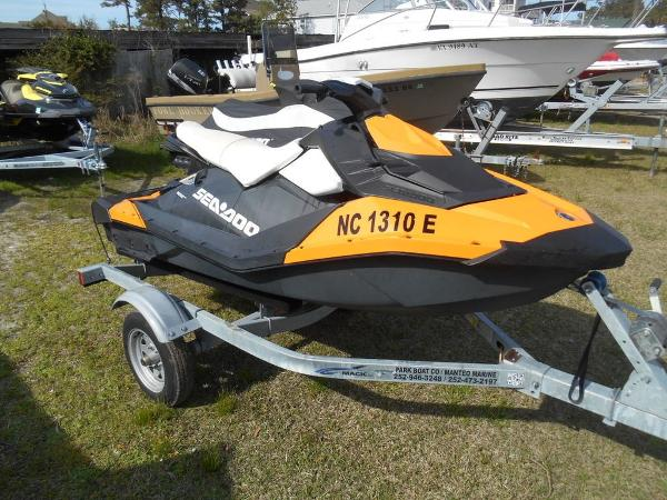 Sea-Doo Spark 3up Rotax® 900 HO ACE™ Convenience Package