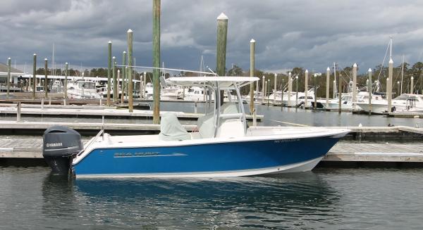 Sea Hunt 234 Ultra F250