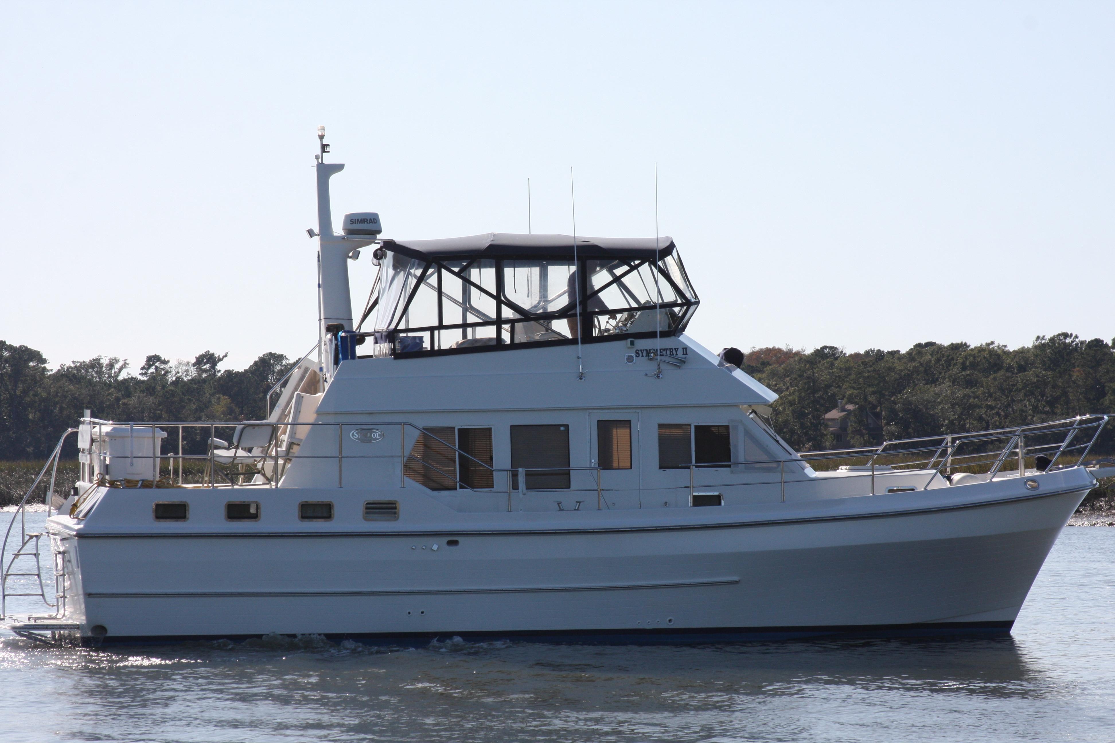 Symbol 42 Sundeck Trawler Symbol 42 - Underway starboard.JPG